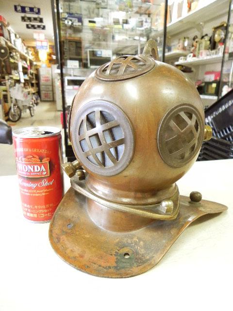 潜水ヘルメットの銅製模型