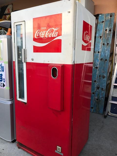 Coca-Colaの業務用冷蔵庫